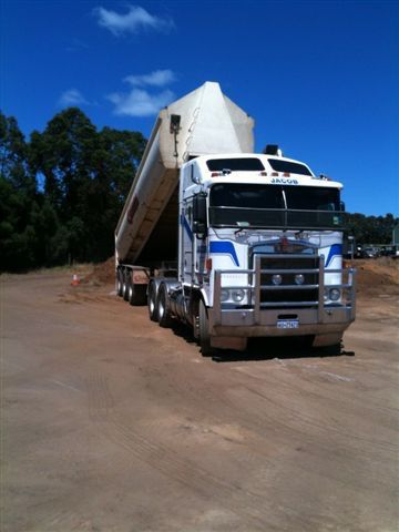 Prime Mover Kenworth with 22 tonne end tipper